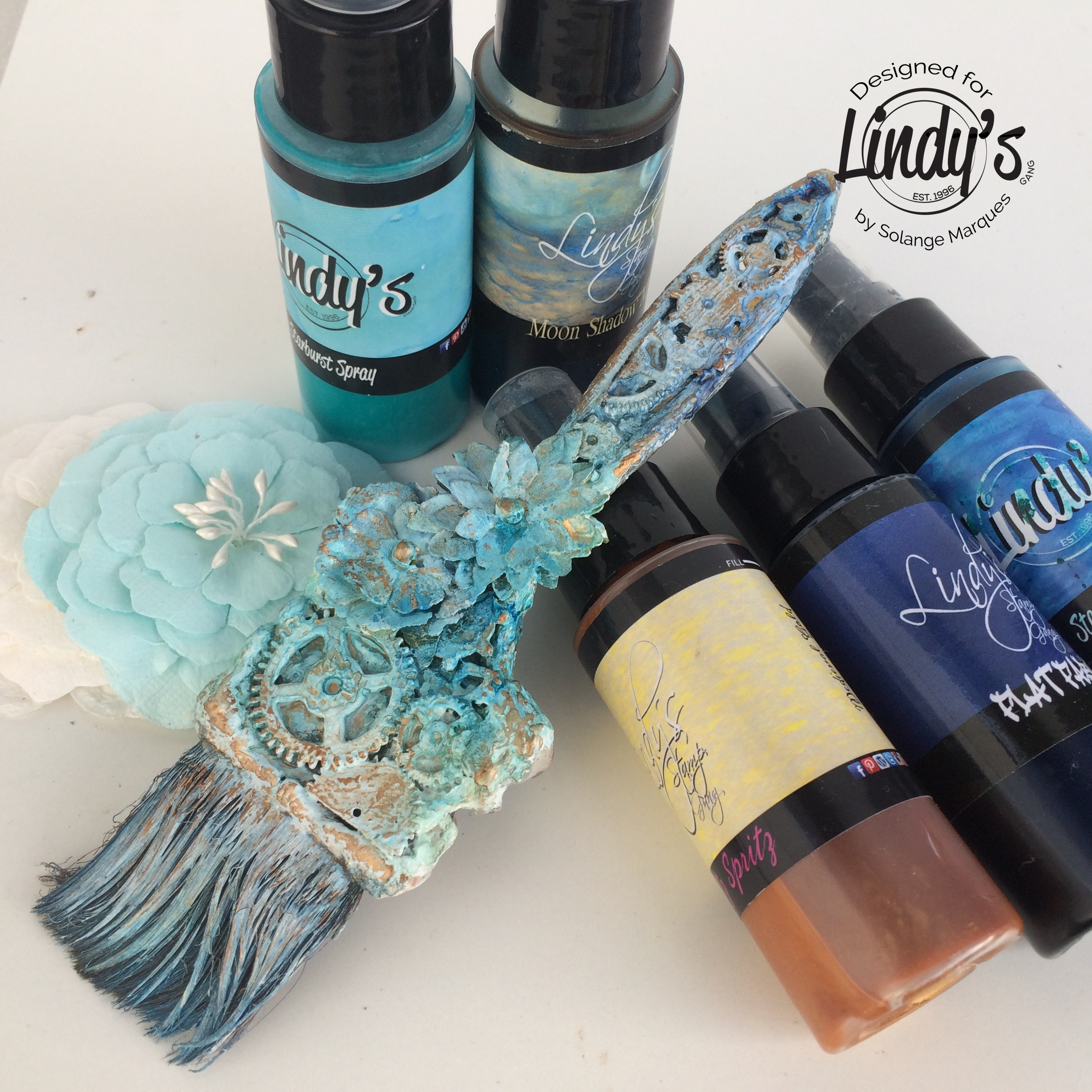 altered paint brush by Solange Marques with Lindy's Gang products-05